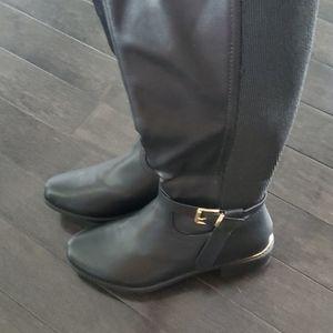 Brand new black boots womens 11